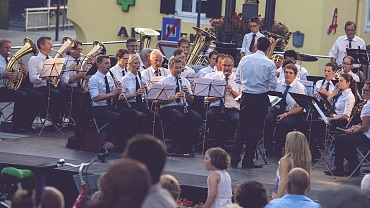 Town square concerts & Tyrolean evenings